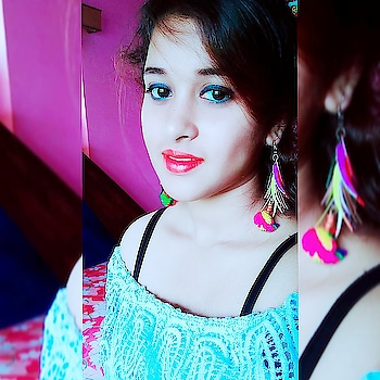 The Future belongs to those who believe in the beauty of their dreams.  #fashiondiva #fashion #summer-looks #summertop #supersexy #summer-fashion #fashionbloggerindia #beautybloggerindia  #indianstyleblogger #indianyoutuber #off-shoulder #top #prettyme #blue #self-love #orangelips #featherearrings #tasselearrings #eye-makeup #oriflameindia
