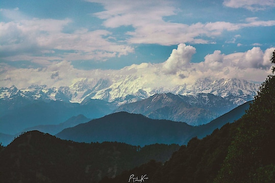 CHANDRASHILA-MOUNTAINS #snow #mountain #mountains #uttrakhand #tugnath #chandrashila #trek #trekking #point #clouds #sky #curves #picoftheday #traveller #travelling #photographer #photographers #photography #passion #love #landscapes  55mm/ƒ/5.6/1/1250s/ISO 200  #travel #explore #discover https://www.facebook.com/Piyush-photography-451024605102802/