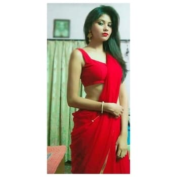Red hot this diwali... #diwalivibes #diwalioutfit #diwali2017 #diwalipost #happydiwali #happydiwalieveryone #red-hot #saree #diwali-blog #celebrations #indian-festival #festival #home #sareelove #sareestyle #indianmodel #roposotalenthunt