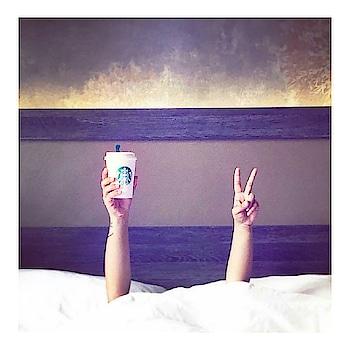 Sunday morning bed time with coffeee ☕ . . . #sundaymorning#morningcoffee#sundaynapplz#tagsfoelikes#live#like#share#followme Thevoguemania
