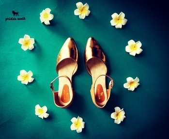 Slip your feet into these copper sandals from Pride's Walk and revel in the unique style of this pair.These sandals are absolutely comfortable And could be teamed with midi-dress and a box clutch to complete your stylish look. Shop now from www.prideswalk.com  or visit our retail store!  #prideswalk #metallicshoes #metallicsandals #metallics #womenfashion #menfashion