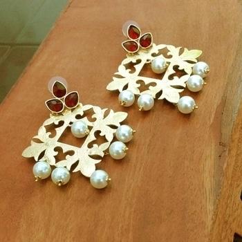 #earring #jhumka #imitationjewellery #fashion #bali #studs #pretty #elegant #accessorise #statementjewelery #jewel #onlineshopping