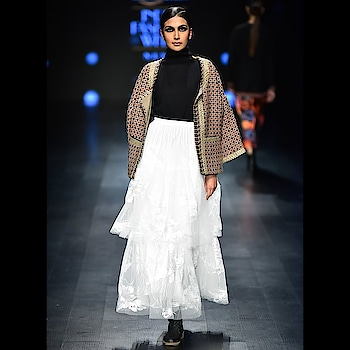 Rina Dhaka at FDCI Amazon India Fashion Week Autumn /Winter 2018 by Nexa.  #honor9 #honorlite9selfie #honor #honor9liteselfie #fdci #aifwaw18 #letitpret #amazonin #nexa #elle #livafashion #tomtailor #honor #honor9lite #rinadhaka #collection #floral #romance #showstopper #rheachakraborty #actress #bollywoodstyle #celebrityfashion #instagood #instapic #mediacoverage #anxmedia #dayalopticals @gurpreet_singhsra @seth_nupur  Shot by -@anchalsethofficial