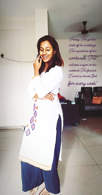 """""""Friday. The golden child of the weekdays. The superhero of the workweek. The welcome wagon to the weekend. The famous F word we thank God for every week."""" #happyfriday #ropo-style #roposostar #ropobeauty #crazymee #sruthibaskar #motivate"""