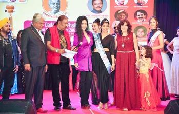 #jury  #NiffMissIndia.. #SimranAhuja #beautypageant