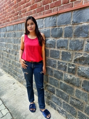 casual ootd for college!! ❤❤  #roposotalenthunt #talenthunt  #thestylecheck #fickleisfun #ootdasia #ootdindian  #delhifashioninfluencer #delhifashionblogger #delhilifestyleblogger #indianstyleblogger #ishathestylecheck #delhibeautyblogger #sdmdaily #popxofeatures #popxodaily  #indianfashionblogger #plixxobypopxo #collegelookbook #collegeootd #delhiuniversity #delhiblogger #casualootd #indianootd #delhiootd