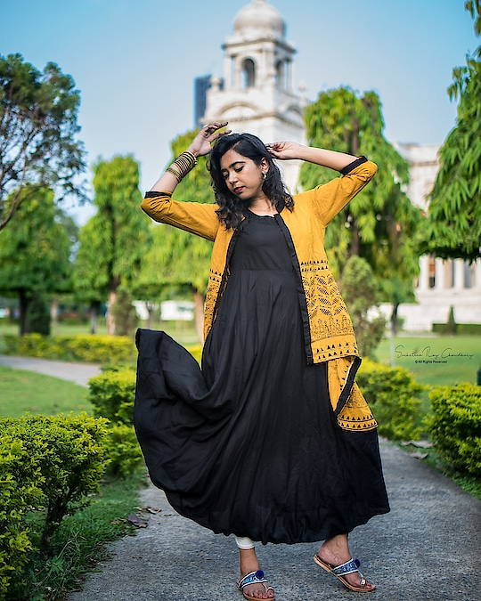 #kolkatafashionblogger #kolkatadiaries #kolkata_igers #delhifashionblogger #fashionblogger #fashion #portrait #portraitphotography #victoria #streetphotography #streetofindia #ethnic #kurti #indianethnic #wonderlust #travel #tgif #weekend #saturday #instadaily #instablogger #instamood #instagram