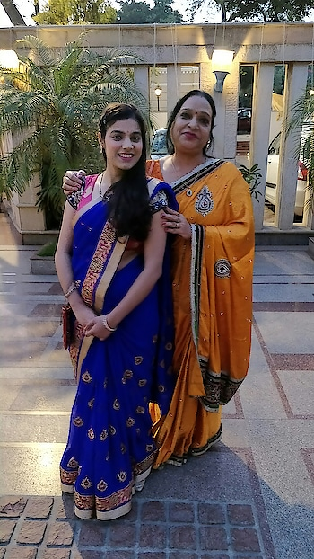 #mom  #happysoul #happyvibes #happygirlsaretheprettiest #happygirl #blogspot #blogstyle #indianbeautyblogger #indianblog #wedding-dress #dress #lehengasuit #velvet #be-fashionable #ropo-love #ropo-beauty #roposoblogger #roposo-fashiondiaries #delhistyleblog #roposogal #roposo-mood #roposoaircontest #viral #viralfashion