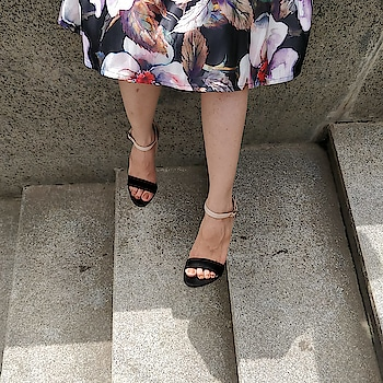Black strappy stilettos are eternal 😇  .  .  .   #INTOTOs #globaltrends #fashionforall #trending #womenswear #shoelove #dailyfashion #daylook #shoefie #whatshot #partywear #elegant #new #everyday #stilettos #blackheels #black #collegewear #strappys #weekendfashion #highheels
