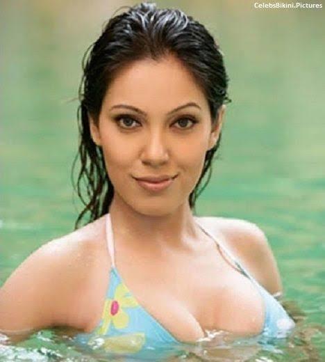 #fun-in-sex #waterfall #hot-hot-hot #boobs #babitaji