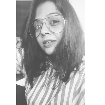 In the world full of Trends, I like to stay classy!  #oversized #glasses #aviators #clearglasses #eyewear #swag #swagon #classy #lookoftheday #blogger #roposogal