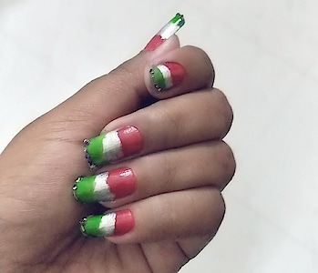 #nailart #nailpaint #red #green #silver #glitter #tricolor #soroposostylefiles