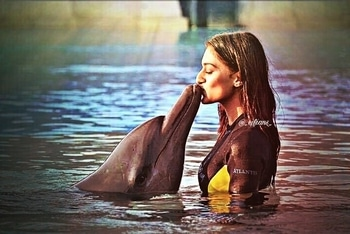 Our Angel with the Angel of the Sea😍😍😍 👑Queen EJF👑 #DolphinDiaries#Cutest#Prettiest#Loveliest#MostGorgeous#MostGroundedSouls#QueenEJF👑 @iamejf