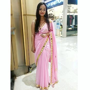 Saraswati Puja Ootd.  . . . . . . . #pinksaree #handmadesaree #saraswatipuja #saraswatipuja2018 #bengali #bengaligirl #saraswatipujaspecial #kolkata #indianyoutuber #kolkatayoutuber #kolkatavlogger #beautychannel #instagram #instafashion #sari #saree #sayantanisome #bengaliyoutuber #rops-style #ropo-beauty #2k18 #2018 #indian #ethnic #ethnicwear #ropo-style #ootd