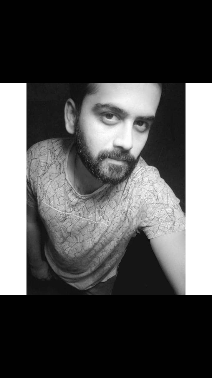 For the love for #blackandwhite and #selfie   So how is it?  #selfienation #blackandwhitephotography #clickoftheday #indianmen #fashiondiaries #roposo
