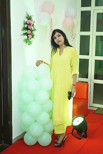 #fashionista  #sudhajain  #mulmulcloth  #highheels   #yellow #launch #roposobeauty #roposoblogger #