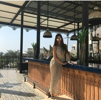 Malaika Arora Khan is vacationing at Dubai with her girlfriends, post Diwali celebrations! Looks awesome!  #Dubai #MalaikaAroraKhan #CelebrityVacations #VacayMode