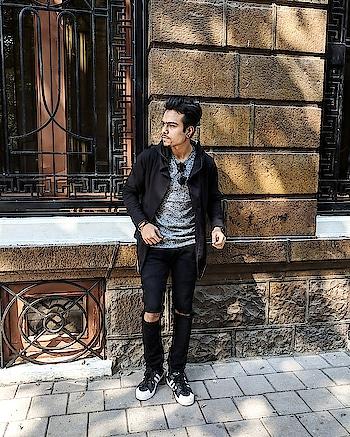 Winter street style. . . #roposo #ropsofashion #men-fashion #men-branded-shopping #styling #bloggerstyle #bloggersofindia #men-looks #men #winter-style #fashionforecast2017 #menswear #fashionblogger