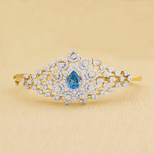 Celebrating #GemstoneWeek, with Internally Flawless diamonds from Sunny Diamonds..! See through our Gemstone Bracelets, which will exhilarate your beauty.. ! #diamondvalue #proposal #jewelry #diamond #diamonds #collection #womensfashion #jewellery  #bridalset #bracelets #gemstone #diamondjewelry