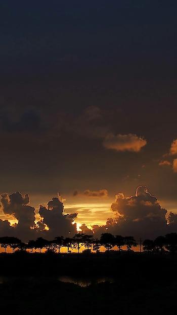 sunset.. photography.. #photo #photoshop #photo-shoto #photographylovers #photographylover #photography #photographers_of_india #nice #sun #sunset #sunshine #greatshot #wow #nature #weather #bright #brightsun #brilliant #lightening