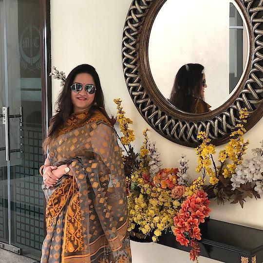 #dhakai #dhakaijamdani #bengalisarees #lovewearingsarees #ootd #gurugramdiaries  #collaborations #traditionallook #traditionalwear