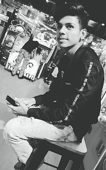 No caption needed 😁😁 @roposotalks #roposo #styles #actorslife #actor #iamrashidk #roposorisingstarrashidkhan #roposo #family ❤ #model #modelling-  #brand #followme #roposofamily #iamrisingstarrashidkhan