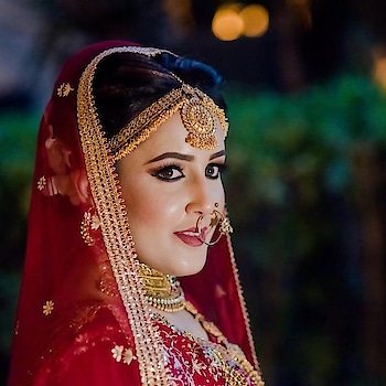 #indianbride #indianbridalmakeup #bridal-jewellery #bridal-fashion-designer #bridal-wear #reddress #eye-makeup