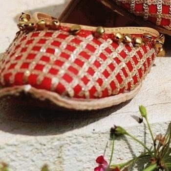 #doubtisout #ajiolife #ajiolove #shoesday  #sequinlove 💗👠 #sequinswork #shimmerandshine  #ajio #shoeloveistruelove