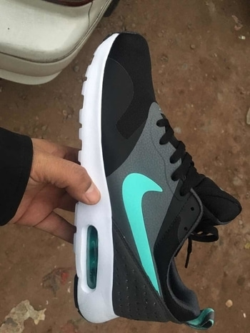 Nike tavas 😻 Sizes euro 41-euro 45 Rs 2600- Free shipping in India! Grab Now ✔ #shoppersstop  #highquality  #roposodeals  #loveforshoes  #sportswear #sportshoes