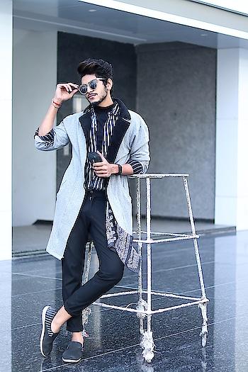 Achromatic Viber ! . . Coat by - @fugazeeinc . . Shot by - @callisto_studio . . #tsd  #tsdfam  #tsdstyle #thestyledweller  #mensfashioninfluencer  #mensfashion  #menswear  #fashion  #coat #fugazee #streetstyle  #trend #ootd #instafashion #men #suratinfluencer  #suratblogger #indianblogger  #indianinfluencer  #surat #india