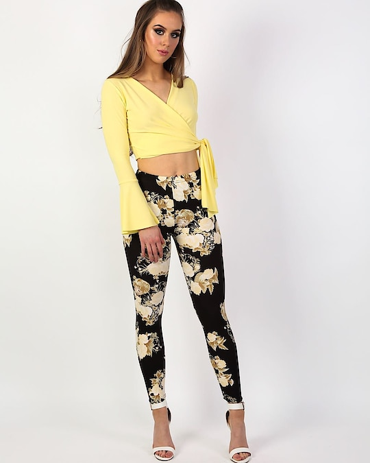 Walkin' into Wednesday like ✨✨✨ To find these leggings 🔎60995D via link in bio👆#PilotLondon #fwis #instagood #instastyle #stylegoals #floral #instadaily #style #fashion #stylecheck #streetstyle #instagood #instalove #new #trendy #clothing #musthave #styleinspo #lotd #ootd #inspo #stylediaries #springsummercollection #mumbai #delhi #pune #india