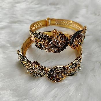 #bangles #jewelry #jewelryaddict #jewelrydesign #jewelrydesigner #jewelrylover #jewelrylove #jewelrylovers #jewelryoftheday #jewelrybox #jewelrystore #jewelryporn #jewelrymaker #jewelryshop
