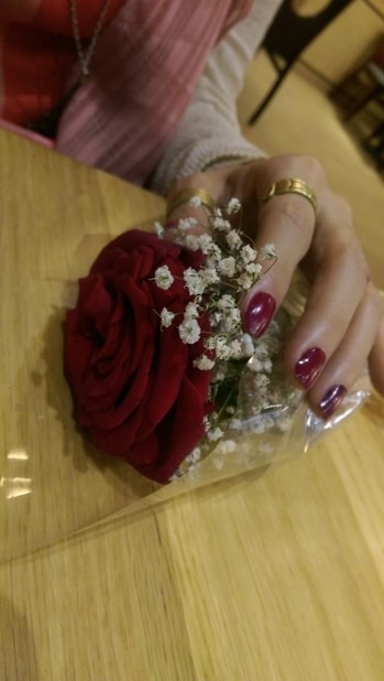 #color #rose #date #flowers #nails #beauty #naillover #nail-addict #red #rednails #redrose #redlove #ring #ringslover