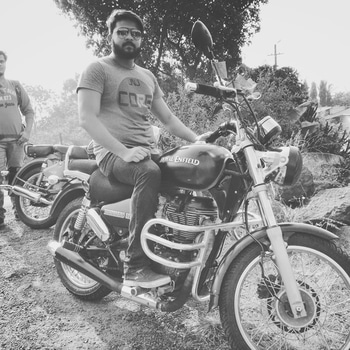 Let's find some beautiful place to get lost #wanderlust #wanderlust-traveller #bikeride #weekendfun #weekendgetaway #weekendoutfit #moustaches #bearded_man #beardedlifestyle