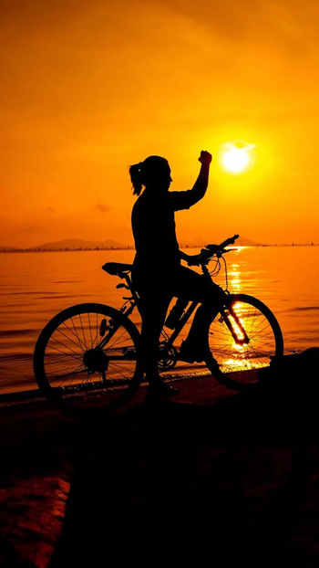 #cycling_ #cycles #fun #boat #ship #sun #flash #sunset #think #dream #morning #look #lonely #braveharted #sea #water