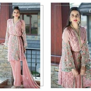 original Pakistani suit  #ladycoture #style #cotton #emberiodery #net #dubai #delhi #pune #india #kolkata #mumbai #uae #london #america #canada #pakistanistyle #pakiztsnisuit #readymafe #sanasafinaz #mariab #summer #collection #dxb keep following ladycoutoure2016 #farazmanan #eidcollection2016 #teenadurrani