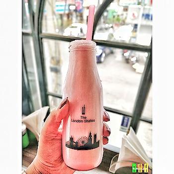 Monday is Strawberry Shake Mood ♥️ . . . ❓ Strawberry Shake 📌London Shakes Cafe GK 2 New Delhi 🚩6/10 . . . . . . . . . ____________________________________________ . Follow me @theultimate_foodie Follow me @theultimate_foodie Follow me @theultimate_foodie Follow me @theultimate_foodie . ____________________________________________ . . .  #delhifoodies #foodfeed #foodlike #foodinspiration  #foodielifestyle #fooddiary #foodspotting #yummyyummy  #instafollowers #foodpornography #foodphoto #foodshare #foodofinstagram #foodforfoodies #foodstyling #foodvscocam #like4follow #delhifoodies #food52 #foodography #foodpassion #foodbeast #foodpost #foodlife  #foody #foodtrip #foodpost #foodtime #foodart #follow4followback . .