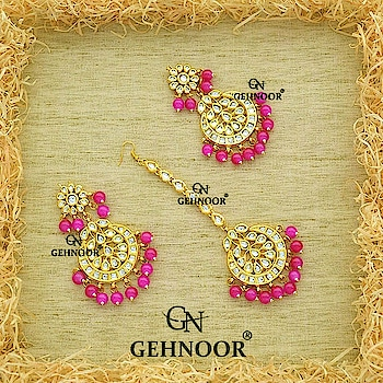 Pink is the colour we all yearn in our Jewellery Collection. And these beautiful Pink pearl Studded Kundan Chandbali Earrings with Gorgeous Maangtika are the perfect accessory to have in your Jewellery Collection! 💞 . Link in Bio! 👆 . www.gehnoor.com 💻 . FREE SHIPPING anywhere in India 🚙 . Cash On Delivery Available across India 💲 . WhatsApp at 07290853733 📱 . www.facebook.com/Gehnoor/ . gehnoor@gmail.com 📝 . #bride #goldjewellery #kundannecklace #traditionaljewellery #indianbride #photooftheday #instabride #bridalwear #bridaljewellery #tags #like #likeforlike #followfollow #followus #followback #gehnoor #earrings #chandbali #kundan #everydayphenomenal #fashionblogger #indianfashionblogger