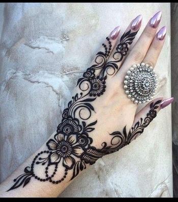 goodmorning friends!midday beauty to break monotony 😊 #heenamehndi #heenalove #heenatattoo #heenatrends #henna #heenapatternofdday #heenadesigns #nailpolishaddict #nail-addict #nailextension #nailshades #nailpampering #nails #nailspiration #ringswag #ring #fancy ring #hands#manicure #manicurednails #handrings