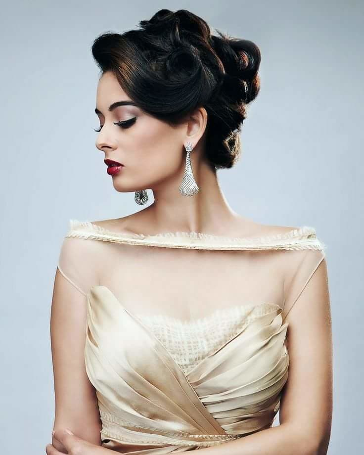 Gorgeous Evelyn Sharma 😍😘😍😘  #bollywood  #evelynsharma  #bollywoodactor  #beauty  #makeup  #beautytips  #fashion #bollywoodfashion #roposo-fashion #fashionlover