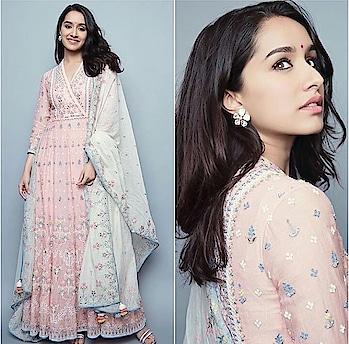 #shraddhakapoor #ethnicdresses #ethnickurti #ethenicfashion #ethnicstyle #ethnicwearforwomens