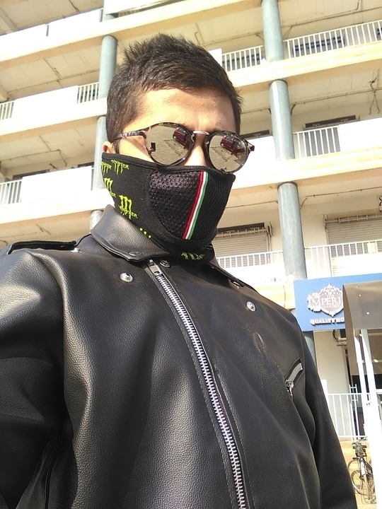 Rider look. - Reflectors - Face cover - Hairstyle - Leather #soroposo #fashion #valentine #riders