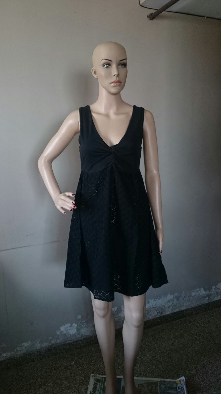 #blackdress #littledress #littleblackdress #casual-wear #gettogether #cottondress #sleevelessdress   Contact Us @ 8454847845   Brand: Pepe Jeans  Size: Medium Price @ Rs. 899/- Piece Available: 01  Colour Available: Black   Free Shipping All Over India.. Shipping Done Within 15 Minutes From Order.. Product Received Within 2-3 Business Days...