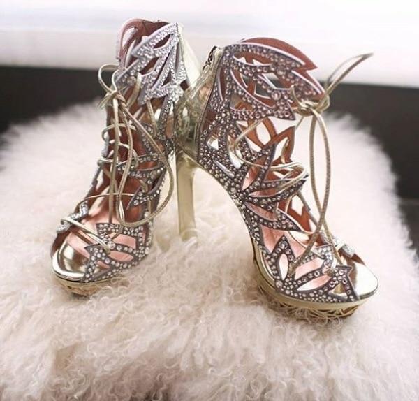 In love with thesee........ #bridal-wear #bridalshoes #heelsaddict #heelslove #pencilheels #lovethem #damnbeautifull #coolstuff