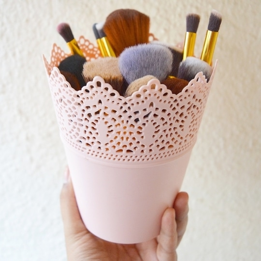 Loving such cute makeup brush storage ideas. Always choose pretty colors like pastels for that girly feel 🌹 #fashion #style #beauty #makeup #YouTuber #DIY #makeupbrushes #storageideas #makeupstorage #ideas #pastel #pretty #homestorage #homeideas #instabeauty #like4likes #like4like #instadaily #cute #fashionblogger #styleblogger #beautyblogger #beautyvlogger #fblogger #indianblogger #bangaloreblogger #bengalurustyle #bengalurublogger #bloggersofbangalore #shopaholicpals