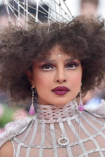 Met 2019  #MimiCuttrell  PatiDubroff #BokHee PattieYankee   Chopard Dior.  voguemagazine metmuseum #priyankachopra