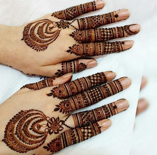 beautifulll....... #heenalove #heenatrends #mehendidesign #bridalfeel #creativeminds #creativeideas #superloved #cool