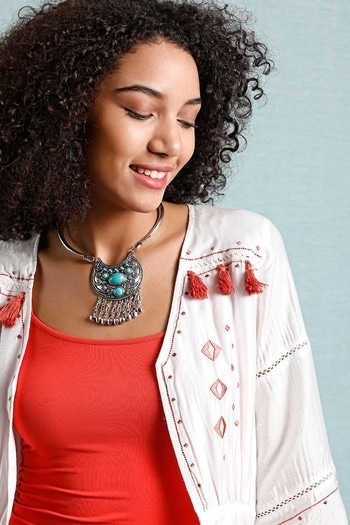 A beautiful amalgamation o f a choker and a necklace never looked this good...http://bit.ly/2pkpBrU #vajor #vajorstyle #womensfashion #accessories #trends #summerstyle #summertrends #elementscollection #elements #necklace #boho