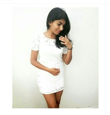 Can a white dress ever go wrong? #whitedress  #simplicityatitsbest #brunchlook #minimal #forever21india #whiteisalwaysright #messyhair #shorthairdontcare