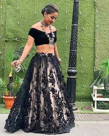 sr-556  #langha :-net with chaine stich work  #Choli :-banglory  #Dupatta:- net  Rate :-920/-